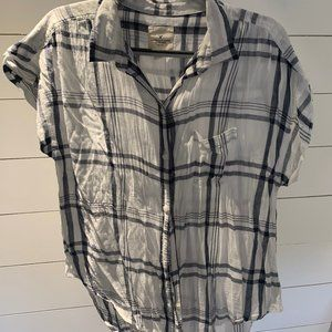 American Eagle Women's Plaid Button Up